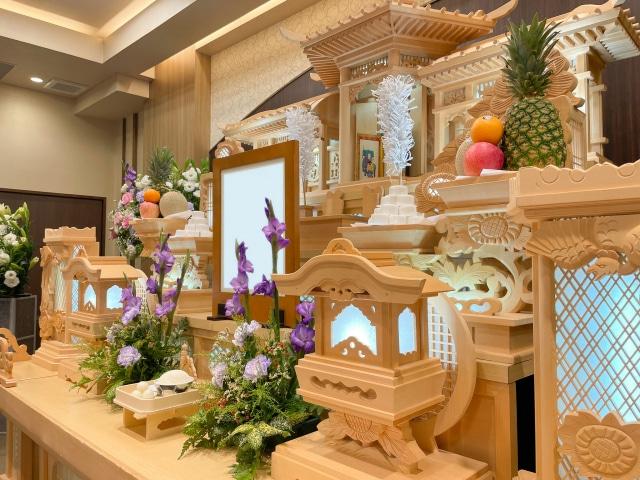 葬儀の祭壇