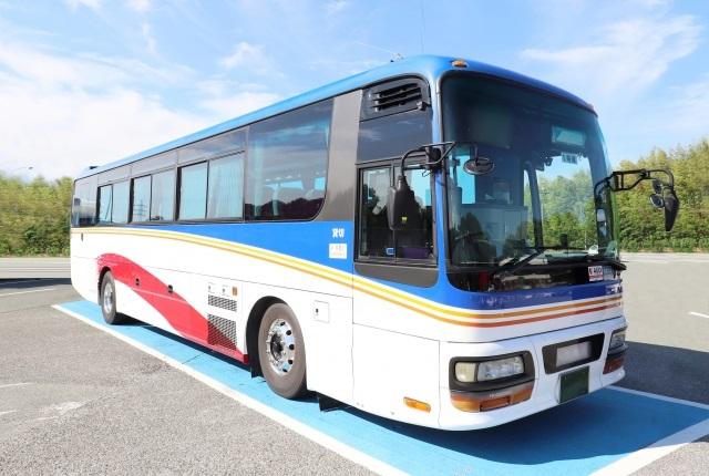 停車する観光バス